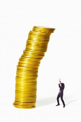 Manage credit score by Ingrid Bjel McGaughey mortgage broker Toronto | CanadianMortgageCo.com